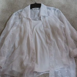 WHITE SHEER BUTTON TOP EMBROIDERY WITH TUNIC